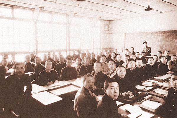 旧制4期の授業風景