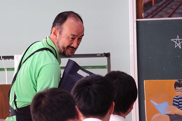 美術科 冬室昌宏先生